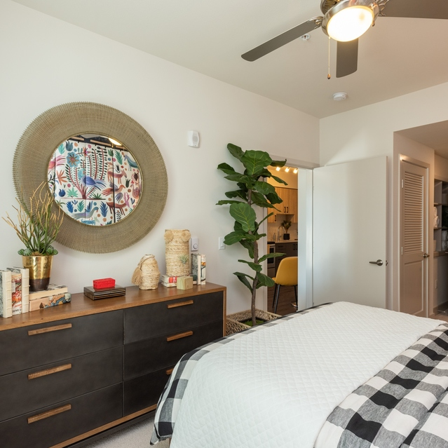 Sandy28 - Designer Style Bedroom with Energy-efficient Expansive Double-paned Windows