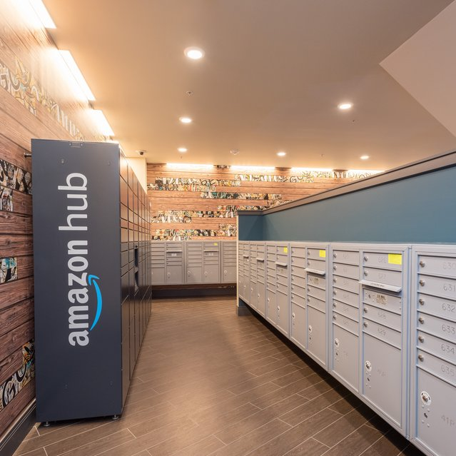 Sandy28 - Hub by Amazon: Package Lockers with 24/7 Access to Packages